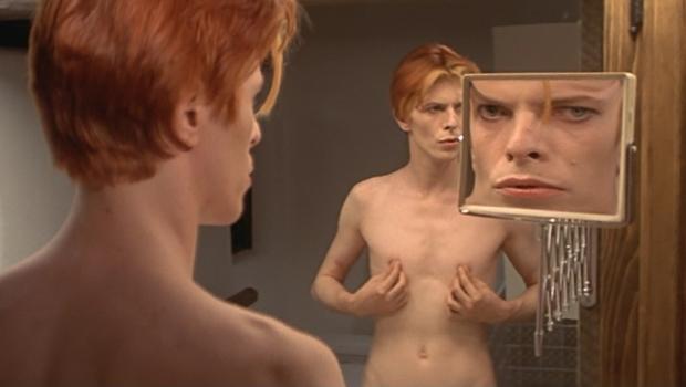 the-man-who-fell-to-earth-david-bowe-mirrors-nicolas-roeg-cult-club-noscale