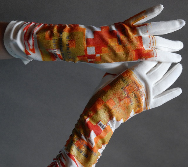 opera_GLOVES_orange